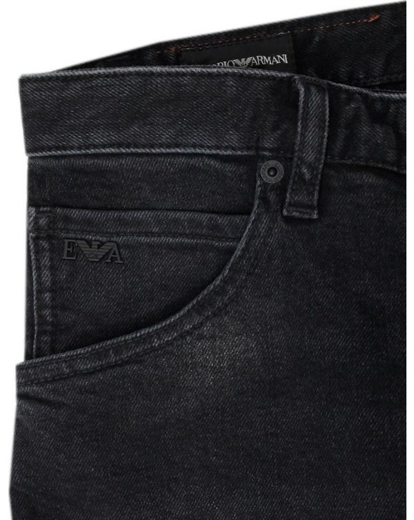 J09 Slim Tapered Fit Jeans