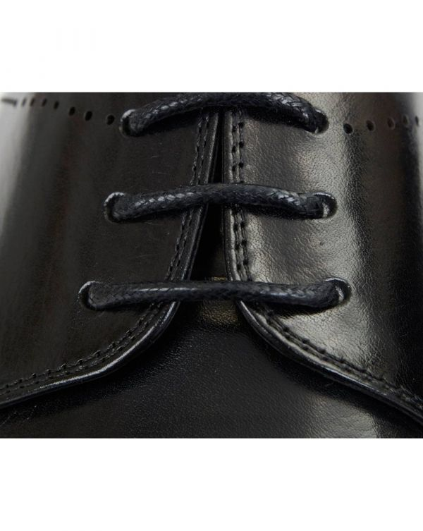 Punch Detail Leather Shoes
